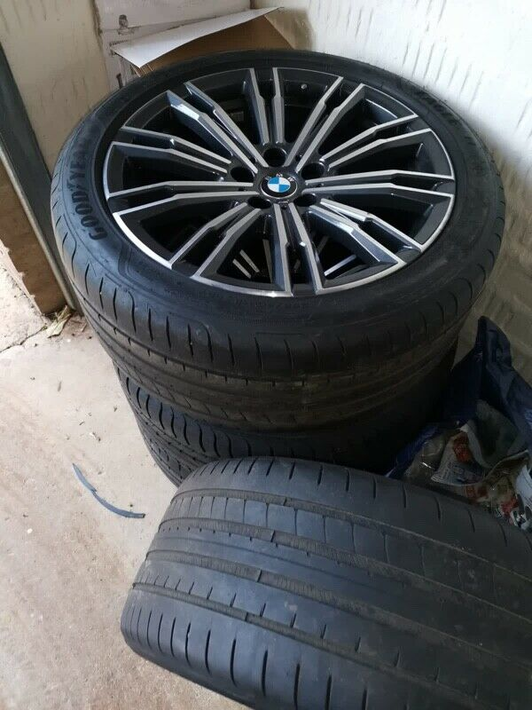 BMW G20 M-Sport OEM rims and tyres