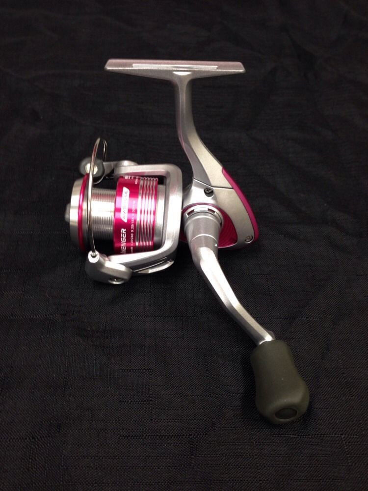 NEW Okuma Avenger Ladies Edition Pink Spinning Reel  AV-30b-LE 5.0 1
