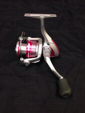 **NEW Okuma Avenger Ladies Edition Pink Spinning Reel  AV-30b-LE 5.0:1