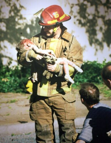 Oklahoma City Bombing-Child Held by Fireman-Pulitzer Prize Award Winning Photo
