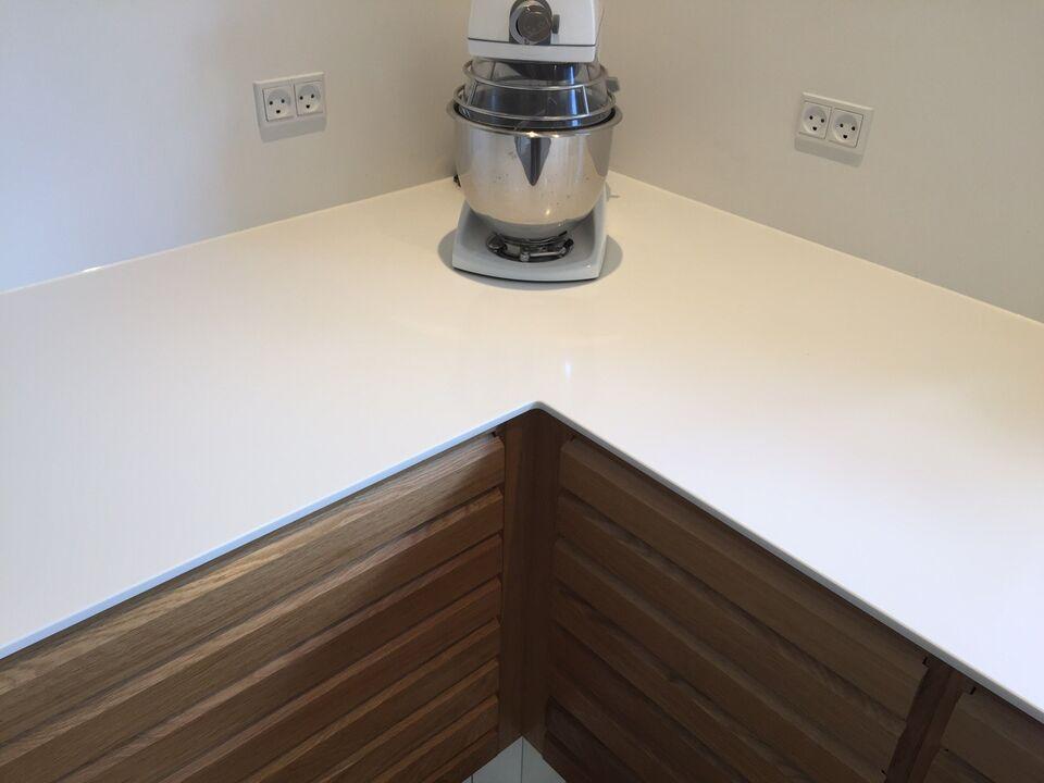 Eksklusive Corian bordplader til dit køkken.