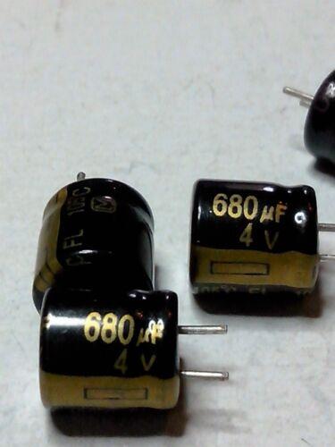 105° Lot de 5 condensateurs 680 µf  4 v
