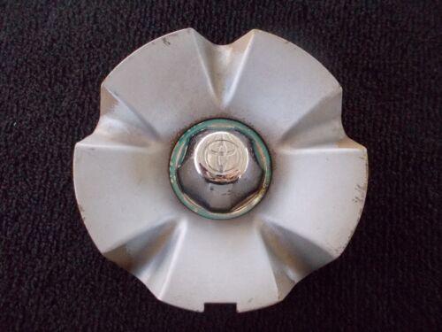 00 01 02 03 04 05 Toyota Celica OEM alloy wheel center cap