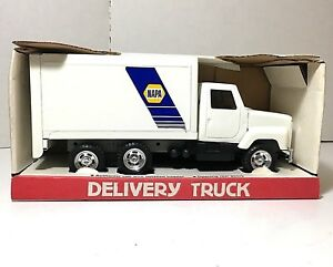 Details about ERTL 'International Napa Delivery Truck' Napa Auto Parts  Pressed Steel NIB