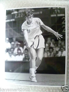 Tennis-Press-Photo-GABRIELA-SABATINI-in-action-Argentina-Player-July-1991