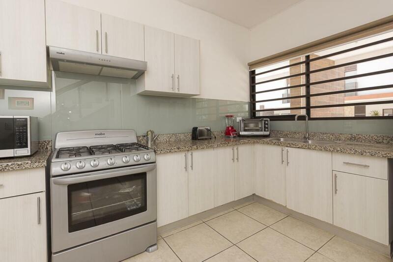 Venta o renta de Casa en condominio Liverté 4 recamaras en Cancún