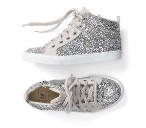 NWOT Youth Girls Shoe Size 4 * GAP KIDS