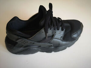 Womens TRAINERS Nike Air Huarache Black