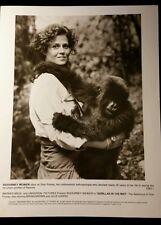 SIGOURNEY WEAVER GORILLAS IN THE MIST 1988  MOVIE PROMOTIONAL PUBLICITY PHOTO