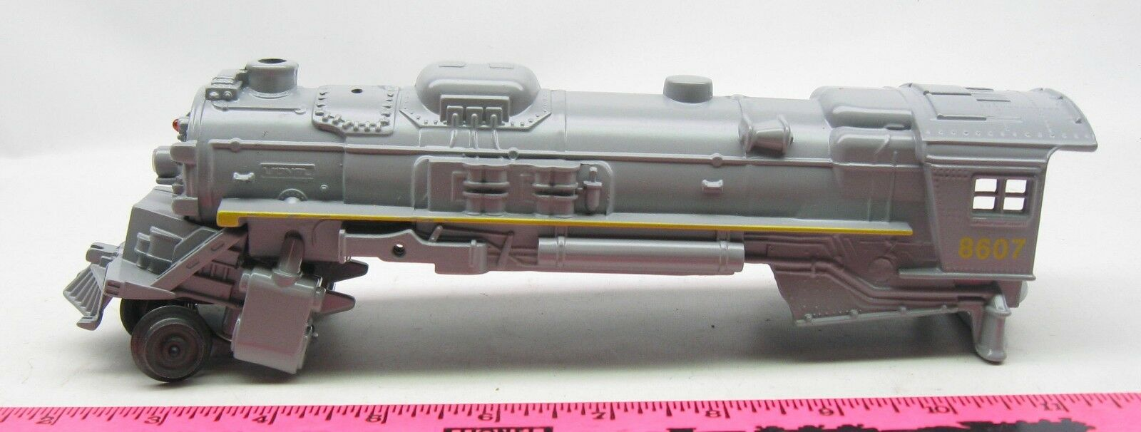 Lionel shell  8607 Union Pacific Steam Locomotive Shell with chest