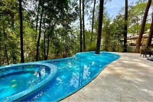 Casa en venta en Avándaro, condominio residencial con amenidades y seguridad privada