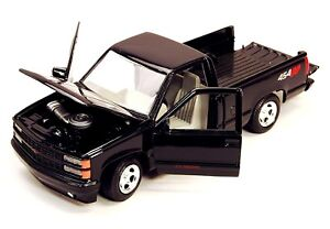 MotorMax-1992-Chevy-454SS-Pickup-Truck-1-24-Scale-die-cast-metal-model-Black-NEW