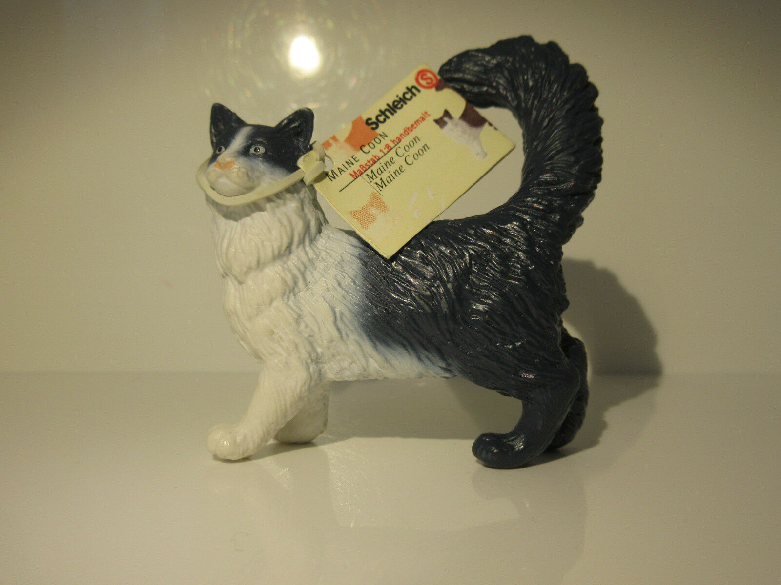 16604 schleich cat  maine coons cat  with booklet  ref 1d1069