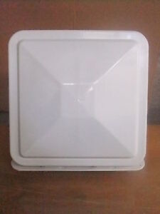 COUVERCLE THERMO FORM 40 X 40 GRIS