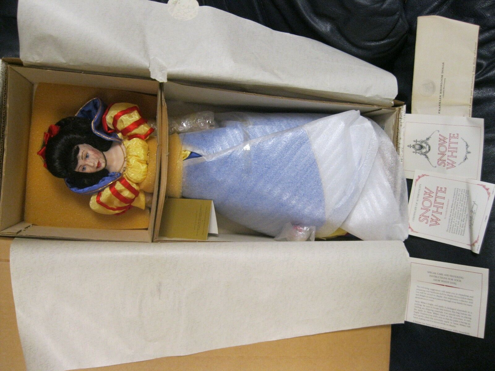 Franklin Mint Heirloom Snow Weiß Doll NEW