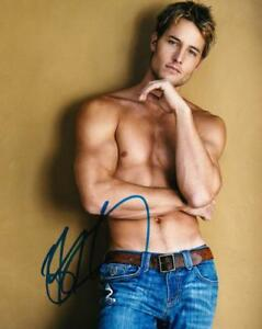 HOT-SEXY-JUSTIN-HARTLEY-SIGNED-8X10-PHOTO-AUTHENTIC-AUTOGRAPH-THIS-IS-US-COA-B