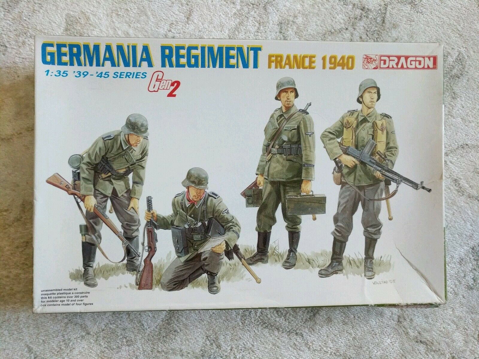 DRAGON GERMANIA REGIMENT FRANCE 1940 1//35 Kits Soldiers 4 figures model