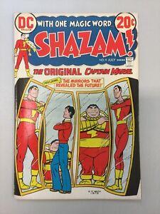 Shazam-4-The-Original-Captain-Marvel-1973-DC-comics-Bronze-Age