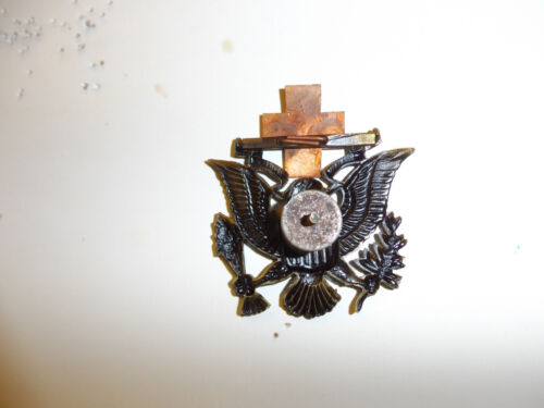 0194 WW2 US ARC American Red Cross Man/'s Hat Badge Eagle R22A
