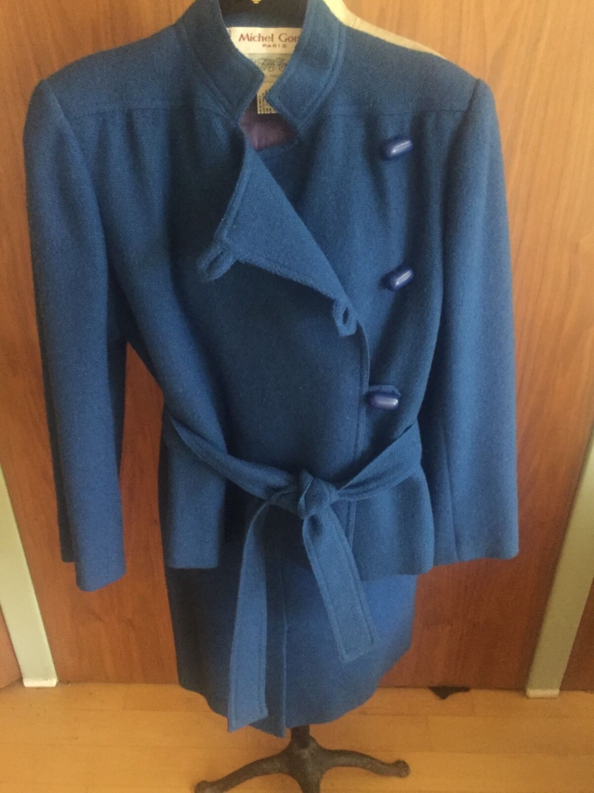 GORGEOUS   Made in Paris, Michel Goma beautiful royal bluee skirt suit  Size 6