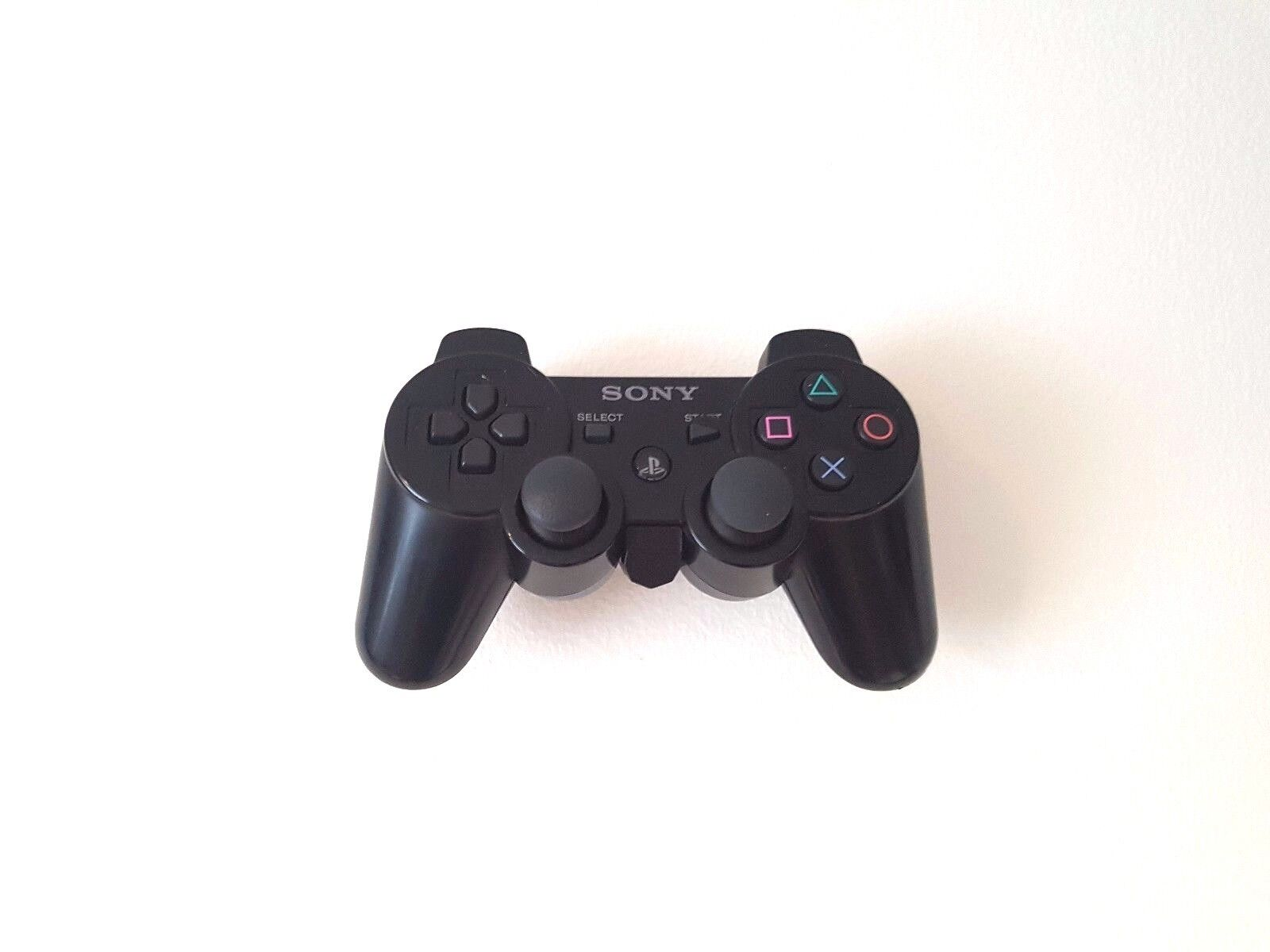 Floating Wall Mount / Holder For Playstation 3 Controller