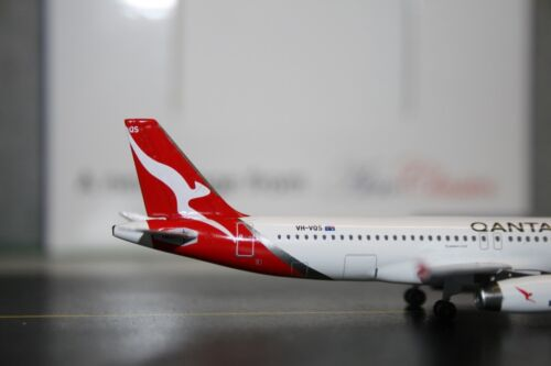 Aeroclassics 1:400 Qantaslink Airbus A320-200 VH-VQS Qantas Die-Cast Model Plane