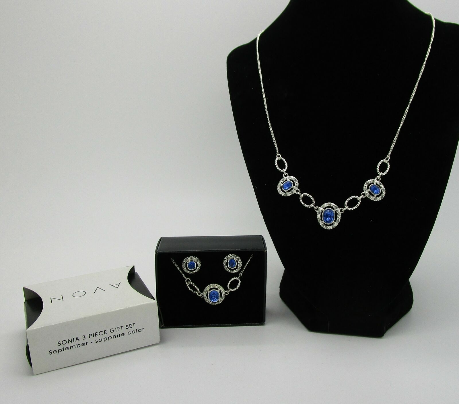 Sonia Matching set Necklace and Earrings