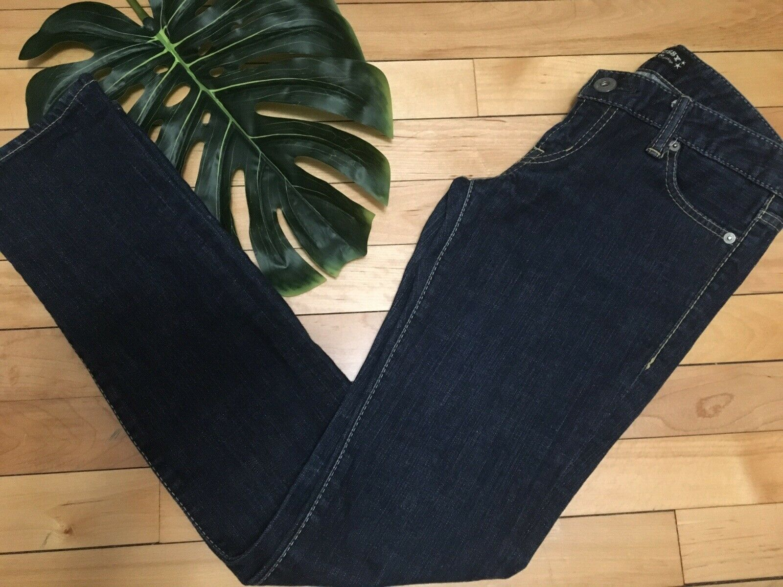 MOUSSY Women's jeans Dark Wash Straight Leg Low Rise Sz 26 Inseam 30