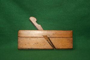Antique-Vintage-1-4-034-Side-Bead-Woodworking-Carpenters-Moulding-Plane-Inv-EB02
