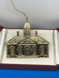 Vintage-Colonial-Williamsburg-Ornament-Brass