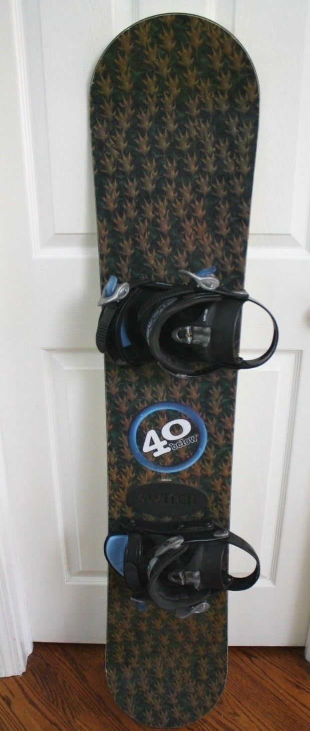 NEW 40 BELOW SNOWBOARD SIZE 144 CM WITH BINDINGS SIZE M