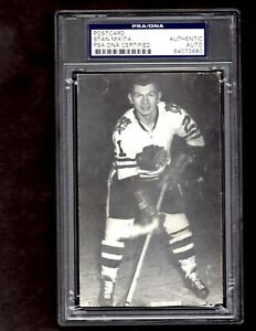 Stan-Mikita-Chicago-Blackhawks-Signed-Auto-Postcard-Photo-PSA-DNA-HOF