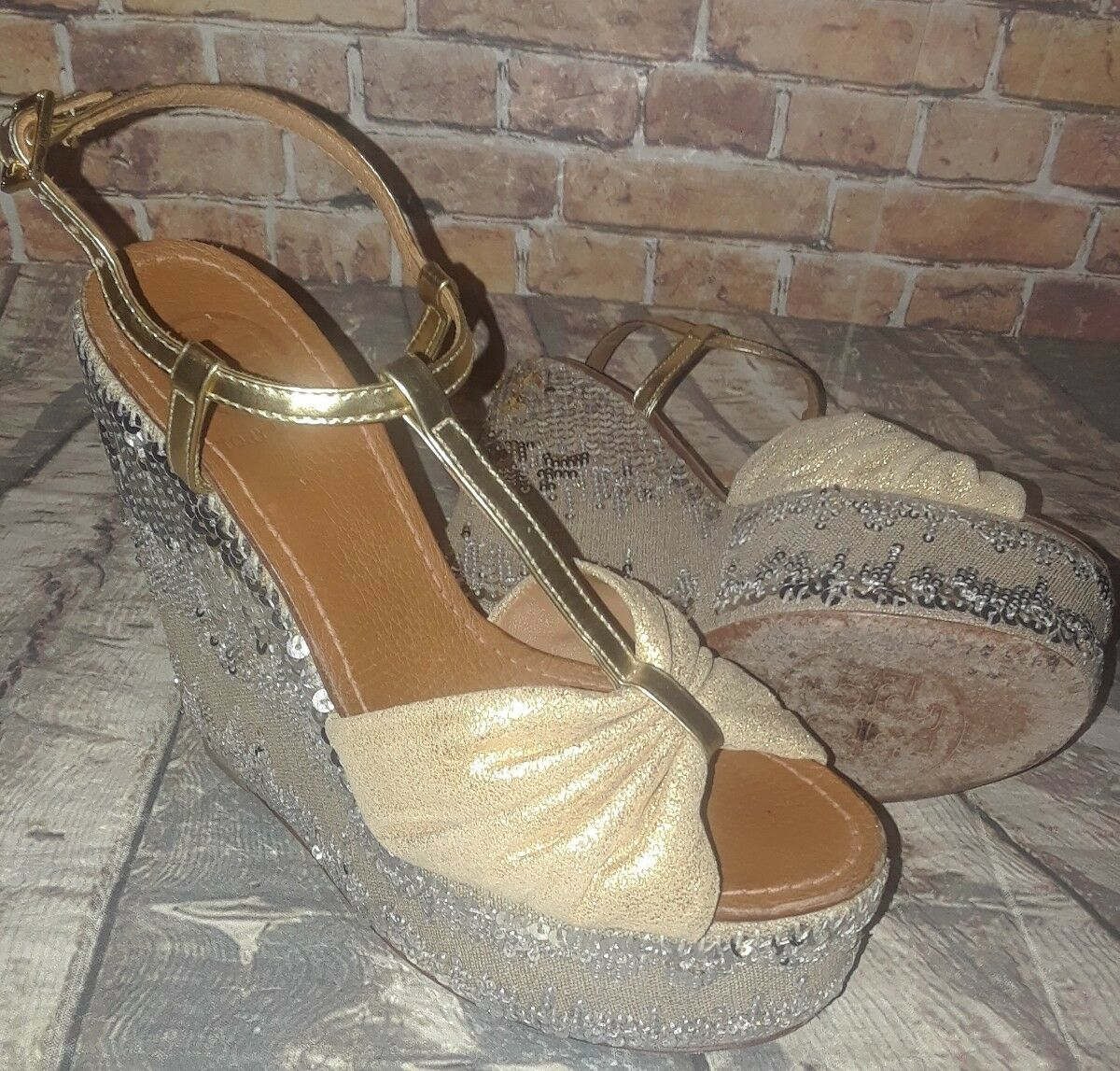 TORY BURCH Silver gold Sequined leather 'Percy' T-strap Wedged Heels Size 5