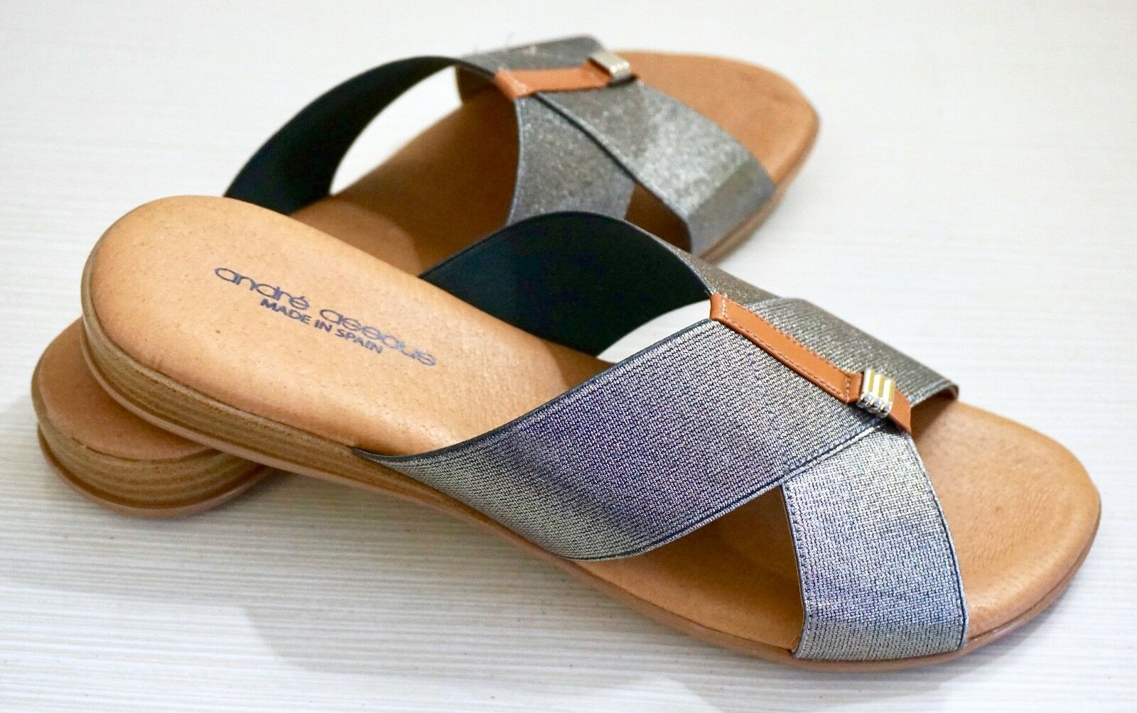 NIB  98 Andre Assous Nani Stacked Heel Elastic Slip-on Sandals, Pewter