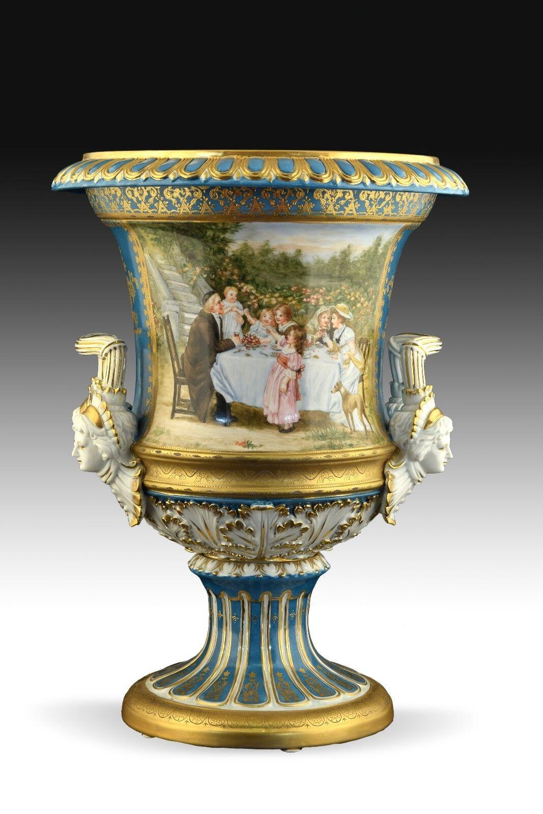 Copa de porcelana, siguiendo modelos de Meissen.