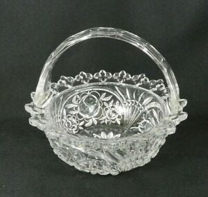 Vintage-Handled-Clear-Pressed-Glass-Basket-Bowl-Roses-Fleur-De-Lis-Edge-7-034-H