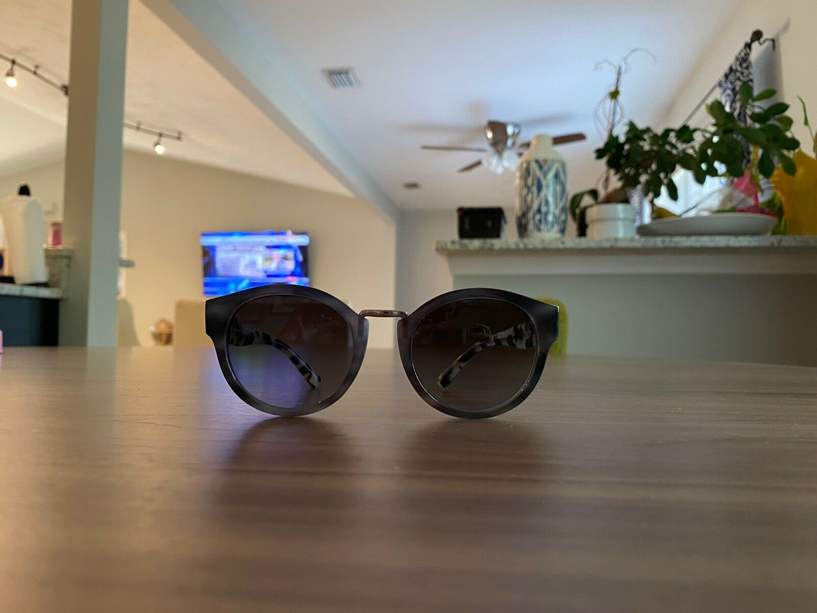 100% Authentic Burberry brand new sunglases