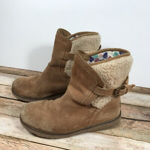 94250b1843f Details about UGG Jayla Suede Ankle Boots Chestnut/Light Brown Girls Sz 4