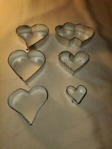 Vintage-Valentines-Heart-039-s-6pc-Metal-Cooky-Cutters-Cookie-Cutters
