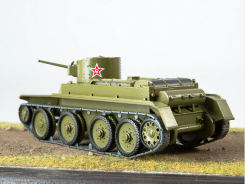 """1//43 BT-2 /""""From new Jersey to the USSR/"""" Russian tank MODIMIO COLLECTIONS N 25"""