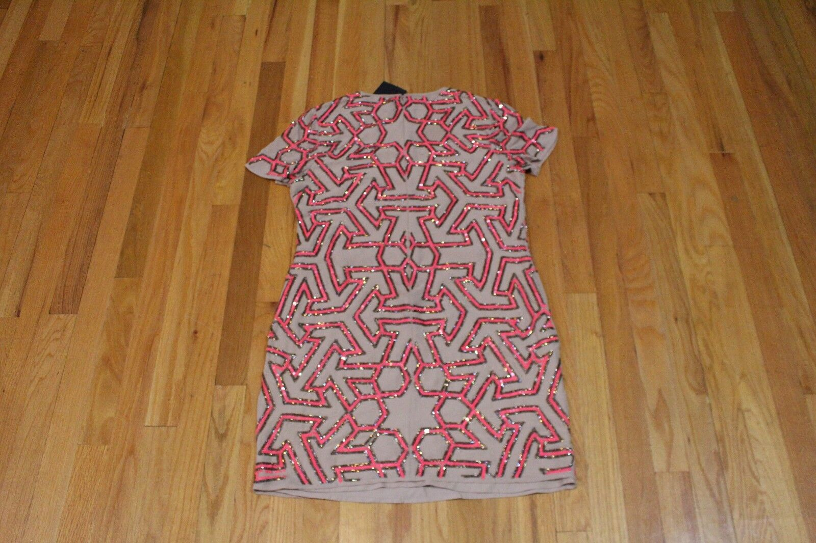 ASOS GRAPHIC BEADED T-SHIRT DRESS DRESS DRESS TAUPE HOT PINK SIZE 6 US NEW 3fbeeb