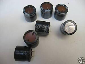 Lot-de-10-Condensateurs-Chimiques-22MF-22-F-250V-105-c