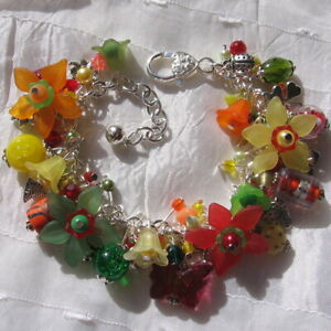 2 CHARMS BRELOQUE PAPILLON VERRE ROUGE FERMOIR METAL ARGENTE BRACELET