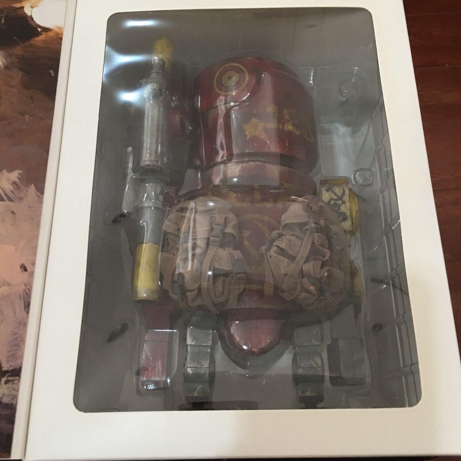 WWRp Large Martin CCCP rot   World War Robot like-new   Ashley Wood ThreeA 3A