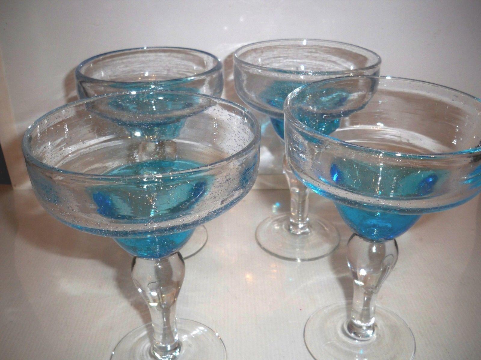 4 soplado a mano Margarita Copas de cóctel azul claro cuencos y claro tallos