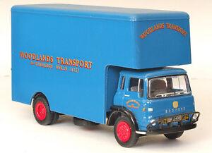 0d936c7a704477 23605 EFE Bedford TK 2 Axle Short Rigid Luton Box Van Lorry 1 76 ...