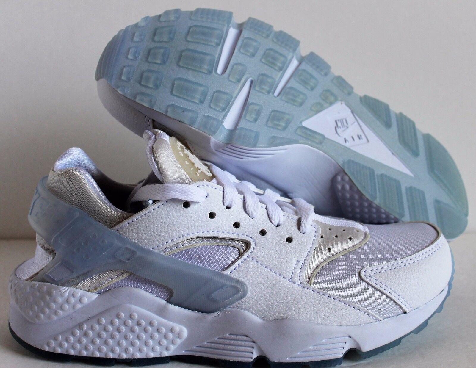 Nike Women's Huarache Premium ID   White SZ 6    [777331-994] 6031f3