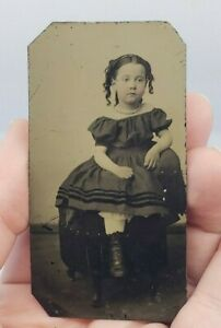 Antique-Victorian-Tintype-Photograph-Creepy-Little-Girl-In-Dress-Painted-Blush