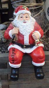 Weihnachtsmann-Sitzend-Kantenhocker-Figur-Gross-Weihnachten-Nikolaus-Schaufenster