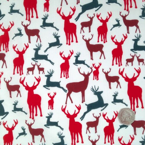Per half metre// FQ 100 /% cotton Christmas stag// deer fabric